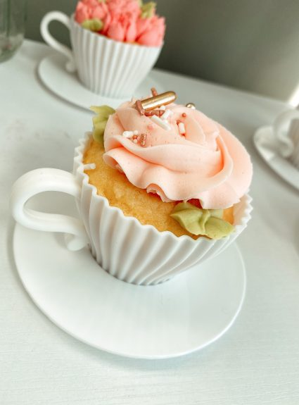 The Most Perfect Tea Cup(cakes)!