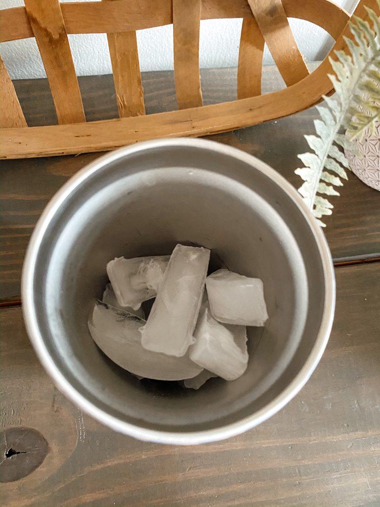 ice in coffee tumbler