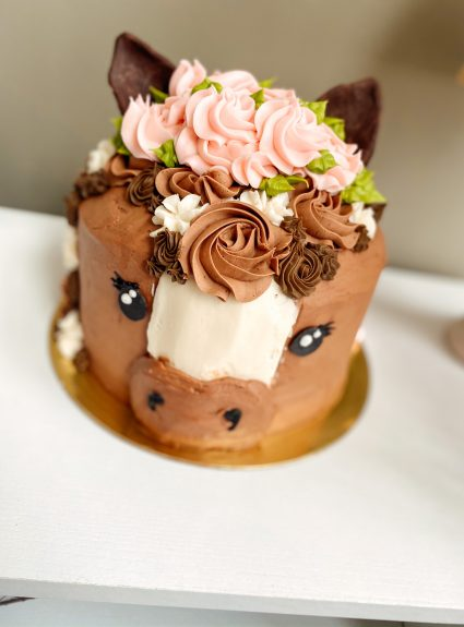 The Prettiest Little Horse Cake (and Cookies, too!)