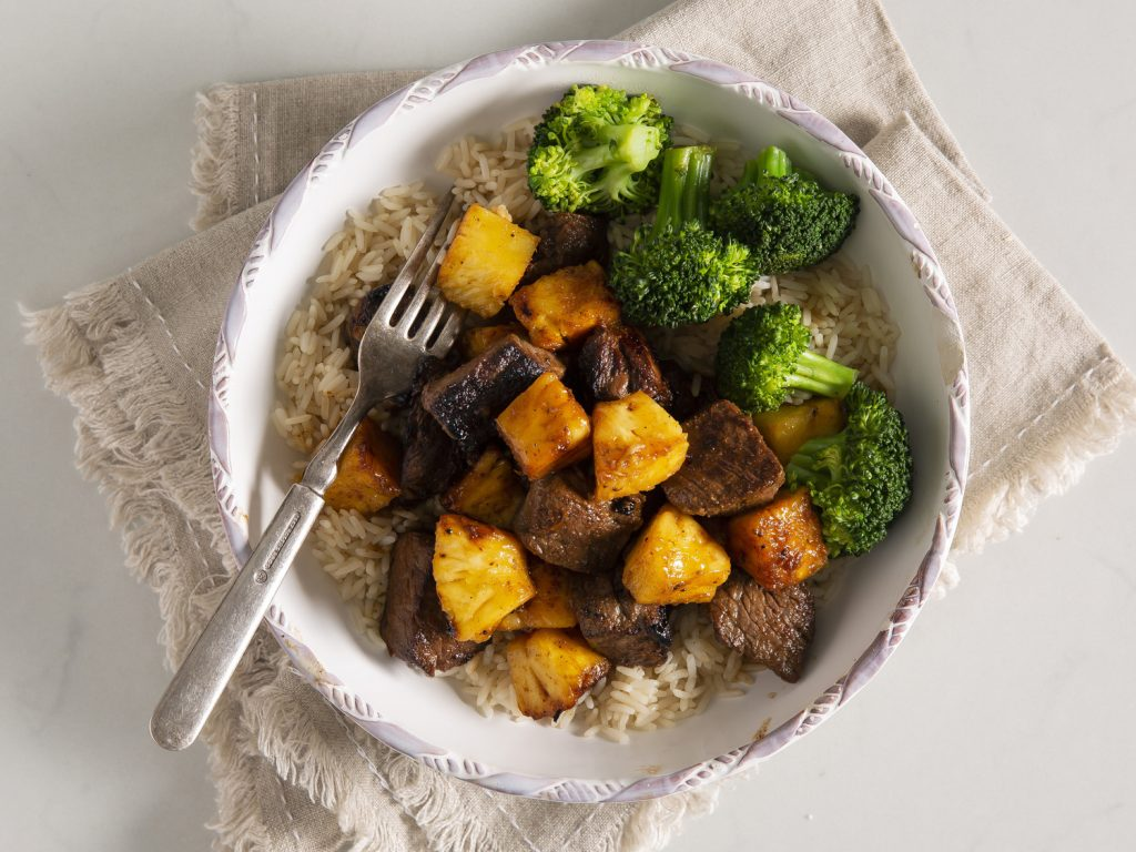 Pineapple-Steak Bites withRice and Broccoli